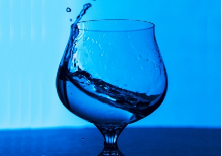 10 Amazing Health Benefits of Starting Your Day by Drinking Water