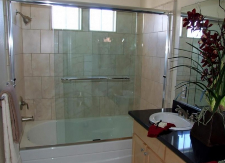 How Can I Get a Glass Shower Door Clean?
